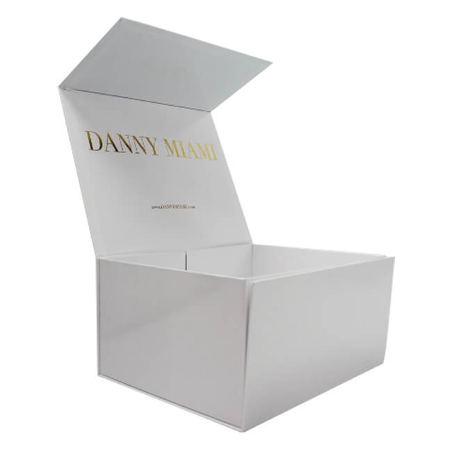 white apparel box