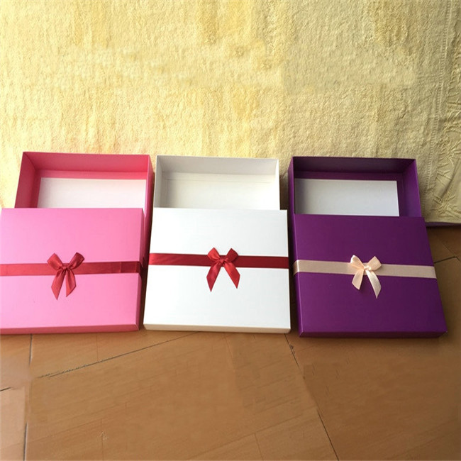 custom apparel boxes wholesale