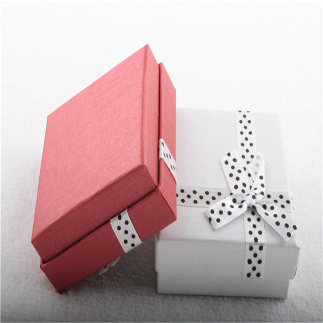 gift box for necklace and earrings