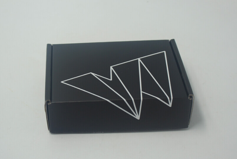 custom shipping box