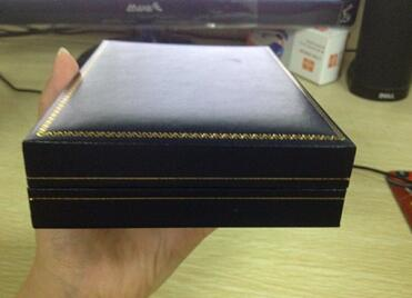 PU Leather Cardboard Gift Packaging Box For Scarf